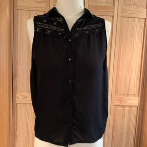 H&M Black Sleeveless Button Up Collared Blouse